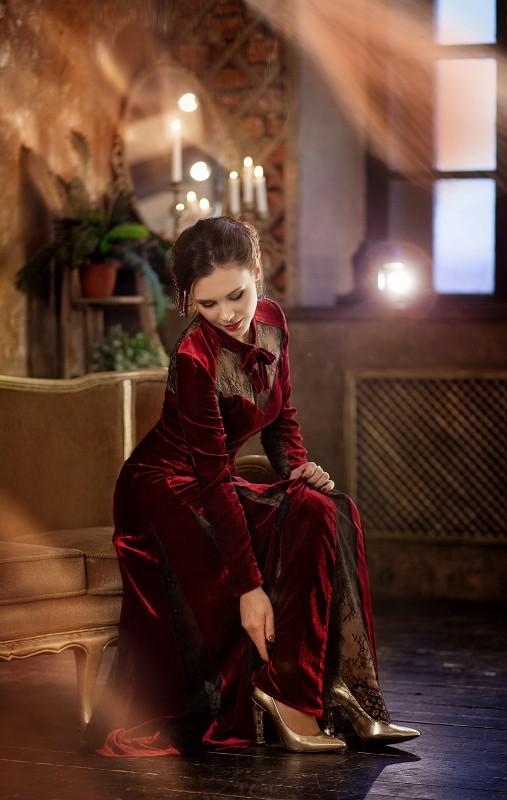 Ангелина Князева в платье